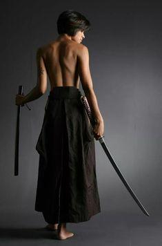 Samurai Girl, Samurai Poses, Female Samurai, Human Poses Reference, Pose Reference Photo, Sword Poses, Katana Girl, Ninja Girl, Martial Arts Women