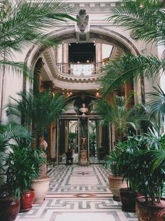 The Musée Jacquemart-André in Paris / photo by Hannah Wilson. Reason to return to Paris. The Places Youll Go, Places To Visit, Belle Villa, Paris Photos, City Lights, Monuments, Beautiful Places, Around The Worlds, Exterior