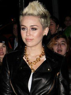 <3 Miley Cyrus   Celebrity Necklace TrendsMiley Cyrus