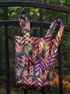 Easy Convertible Totebag/Backpack Tutorial Straps pulled up to create backpack option.