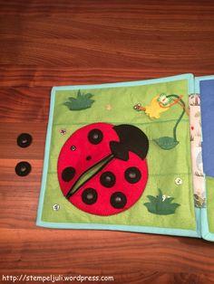 Quiet Book Spielbuch aus Stoff Filz  Marienkäfer Diy Quiet Books, Book Activities, Kindergarten, Kids Rugs, Play, Decor, Image, Games, Basteln