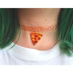 SpaceGrunge - Plastic Stretch Pizza Choker via Etsy. oh my god this is wonderful. maybe swap the orange choker itself for black but defiantly keep the pizza attached. Tattoo Choker Necklace, Necklace Set, Choker Necklaces, Choker Jewelry, Jewelry Tattoo, Cyberpunk, Rockabilly, Pizza Tattoo, Piercings