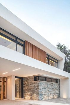Contemporary Architecture, Architecture Design, Dynamic Architecture, Exterior Design, Interior And Exterior, Design Interior, Glass Facades, House Goals, House Front