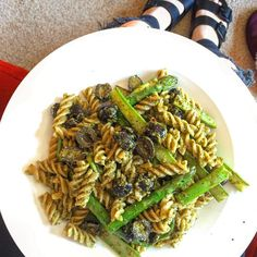 My lunch was insane today! Wholewheat pasta with vegan pesto griddled asparagus and black olives . #veganpesto #asparagus #olives #pasta #healthy #happy #dairyfreediet #vegan #whatveganseat #allthehashtags by rachelk12345