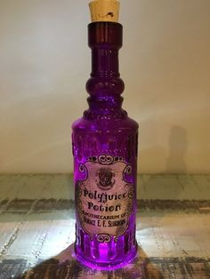 New Ideas birthday gifts diy harry potter Harry Potter Cosplay, Theme Harry Potter, Harry Potter Room, Harry Potter Gifts, Harry Potter Birthday, Potion Bottle, Bottle Art, Hogwarts, Magic Bottles