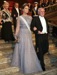 Swedish royals: Crown Princess Victoria, Madeleine and Sofia sparkle in tiaras at Nobel Prize gala Crown Princess Victoria, Crown Princess Mary, Madeleine Of Sweden, Philip Lim, Royal Fashion, Girl Fashion, Princess Fashion, Fashion Ideas, Princesa Real