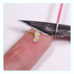 "3,873 Synes godt om, 91 kommentarer – Tanja - Miniatures (@sugarcharmshop) på Instagram: ""Work in progress  tiny daisies The heart waffles won the vote - hoping I can use a couple of…"""
