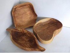arte Clogs, Bowls, Fashion, Art On Wood, Brunettes, Clog Sandals, Serving Bowls, Moda, Fashion Styles