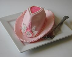 Cowgirl Cakelet for a special lil lady Fancy Cakes, Cute Cakes, Mini Cakes, Art Deco Cake, Cake Art, Beautiful Cakes, Amazing Cakes, 1st Bday Cake, Birthday Cakes