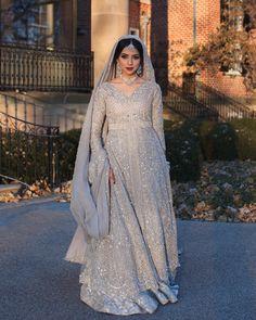 types of muslim wedding dresses Asian Bridal Dresses, Pakistani Wedding Outfits, Pakistani Bridal Dresses, Pakistani Wedding Dresses, Pakistani Dress Design, Bridal Outfits, Bridal Lehenga, Indian Outfits, Pakistani Clothing
