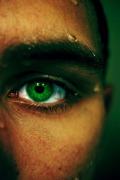 green eyes are my weakness. I can't resist a man with green eyes. There's something so mysterious & sexy about green eyes.