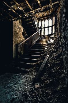 "in-amannerofspeaking: "" abandoned staircase "" Derelict Buildings, Abandoned Churches, Abandoned Mansions, Old Buildings, Abandoned Places, Abandoned Film, Herren Hand Tattoos, Art Beauté, Haunted Places"