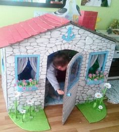 A Playhouse with Cardboard Boxes - Cardboard Houses For Kids, Cardboard Playhouse, Diy Playhouse, Cardboard Toys, Cardboard Furniture, Paper Crafts For Kids, Projects For Kids, Diy Paper, Ideas Habitaciones