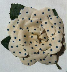 Rosa lunares