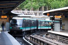 How to Use the Paris Subway - Le Métro - from Learn French