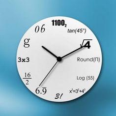 Pokud se ve vaší rodině, nebo mezi přáteli vyskytuje milovník matematiky, tak mu určitě pořiďte tyto hodiny. Rázem se ocitne ve svém světě matematických rovnic a s každou hodinou si bude muset nejdříve čas vypočítat. Každá číslice na hodinách je totiž označena jako matematický příklad