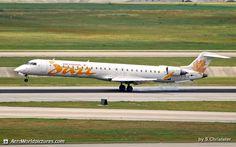 Air Canada Express (Jazz Air) Bombardier CRJ-705ER (CL-600-2D15) C-FLJZ / 707 (cn 15045) DSC_4596