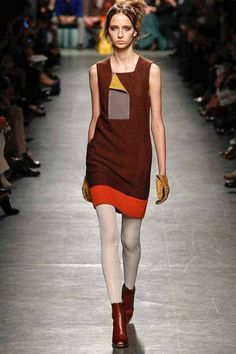 Love the silhouette and contrasting panel on the hem. Missoni AW2014-15
