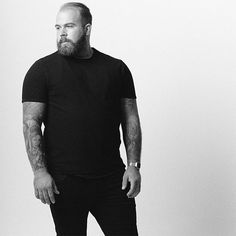 Profession : Plus Size Male Model - Mannequin homme grande taille - Ben Whit Large Men Fashion, New Mens Fashion, Look Fashion, Fashion Edgy, Big And Tall Style, Big And Tall Outfits, Look Plus Size, Plus Size Men, Big Guys