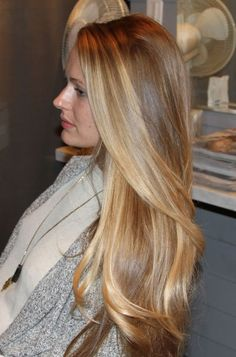 Natural long blonde hair.