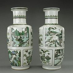 PAIR OF CHINESE FAMILLE VERTE ROULEAU VASES : Lot 215