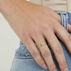 THE TINY SCRIPT RING – The M Jewelers