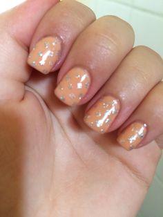 Ongle couleur beige nails art gel beauty