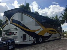 Prevost Class A...BJL Prevost Bus, Coaches, Buses, Motorhome, Outdoor Gear, Tours, Luxury, Cars, Trainers