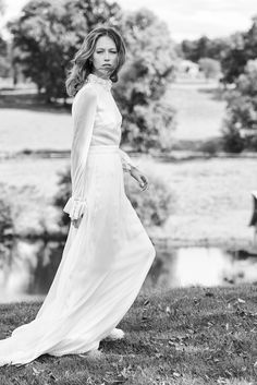 Robe de mariée Paris - Printemps-été 2016 : Paulin Robe longue Paulin en mousseline de soie. Par Delphine Manivet - Créatrice de robes de mariée Paris.