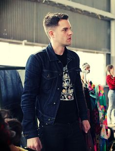 Brandon Flowers: ruining my expectations in men since Brandon Flowers, Dapper Men, Most Beautiful Man, Stylish Men, Style Icons, Men's Style, Cool Bands, Hot Guys, How To Look Better