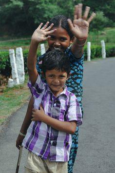 https://flic.kr/p/pJSw3g   Happy Indians   2013, India, Munnar.