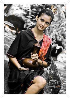 Dedare sasak- Lombok Modern Fashion, Women's Fashion, Fashion Outfits, Bali Lombok, Wild Women, Illustrations And Posters, Kebaya, Western Outfits, Occasion Wear