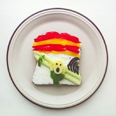 """The Art Toast Project. safe-to-eat replica of Edvard Munch's painting - """"The Scream"""" made using toast as a canvas and different edible ingredients. Tostadas, Cute Food, Good Food, Funny Food, Le Cri, Toast, Creative Food Art, Food Artists, Edvard Munch"""
