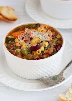 Homemade Minestrone Soup {Slow Cooker} Recipe | Little Spice Jar