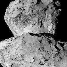 探査機ロゼッタが7日に104キロ手前から撮影したチュリュモフ・ゲラシメンコ彗星(すいせい)の詳細な写真。「頭部」(写真上)と「胴体」の接続部分(ESA提供) ▼16Aug2014時事通信|頭と胴体、元は二つ?=欧州探査機撮影の彗星本体-小惑星のような岩石だらけ http://www.jiji.com/jc/zc?k=201408/2014081600166 #67P_Churyumov_Gerasimenko ◆67P/Churyumov–Gerasimenko - Wikipedia http://en.wikipedia.org/wiki/67P/Churyumov%E2%80%93Gerasimenko