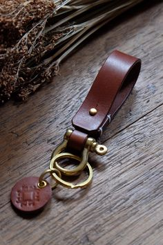 Leather keychain with shackle brass, Lanyard Belt Keychain, Leather Gift, Men Keychain