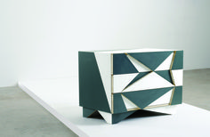 Off Cut - Chest of drawers, Martino Gamper, Edizione Nilufar, 2007, courtesy Nilufar Gallery / Autoproduzione. I nuovi maestri / Dall'Autoproduzione all'Autosufficienza.
