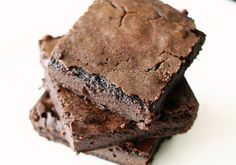 Delightful diabetic flour-less brownies made with Splenda. Just 3 grams of carbs per serving.