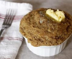 This is a SUPERFOOD mug cake! It has flax meal and walnuts or walnut oil which provide us with your MUCH needed Omega 3 oil! Flax has about 10 times the omega Ketogenic Diet Meal Plan, Ketogenic Recipes, Keto Recipes, Cake Recipes, Ketogenic Girl, Sweet Recipes, Healthy Recipes, Keto Mug Bread, Keto Mug Cake