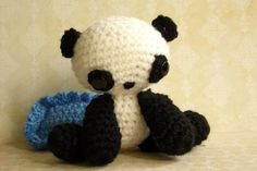 Crochet AMIGURUMI panda