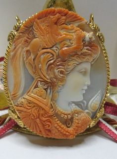 ۞ ۩ Shell Cameo of Minerva, Silver pendant/brooch_A Theme from the Ancient Greek Culture . Cameo Jewelry, Jewelry Art, Antique Jewelry, Vintage Jewelry, Bling Jewelry, Shells, Carving, Antiques, Pendant