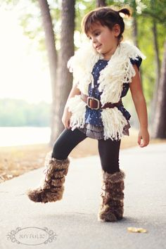 Joyfolie: Zoe fur boots and DIY curly fur vest #DIY #kids #fur