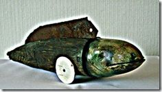 Danny Moortgat uit Schelle.Het volgende werk is een  interpretatie van gevoel en sentiment, voertuigen die meer lijken op dieren maar dan toch geen dieren zijn,de fantasie is aan de toeschouwer om te zien wat hij of zij wil zien in deze werken.