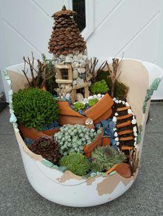 Märchengarten Fairy Garden Plants, Mini Fairy Garden, Garden Terrarium, Fairy Garden Houses, Gnome Garden, Garden Boxes, Succulent Pots, Succulents Garden, Broken Pot Garden
