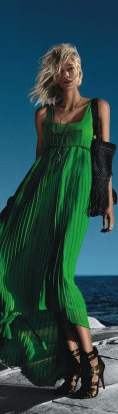 Beautiful green maxi dress!