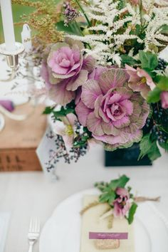 Gorgeous floral table centerpiece #wedding #rustic #chic #tablesetting #tablescape
