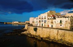 Early Morning on the Island of Ortygia, Syracuse (Sicily) by I Prahin, via Flickr #siracusa