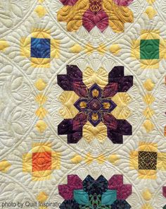 The Waiting Room by Diane Hansen, quilted by Judith Kracker. Photo by Quilt Inspiration. Based on Lucy Boston's Patchwork of the Crosses quilt. Longarm Quilting, Free Motion Quilting, Long Arm Quilting Machine, Arm Machine, Quilt Patterns, Stitch Patterns, Origami Quilt, Cross Quilt, Quilting Designs