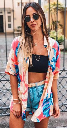 Are the concert birds here? Today we have great outfit looks for you. Popular outfit ideas for summer events with 26 pics of Perfect Festival Looks. Festival Looks, Festival Mode, Festival Style, Vintage Summer Outfits, Spring Outfits, Beach Outfits, Outfit Beach, Coachella Outfit Ideas, Winter Outfits
