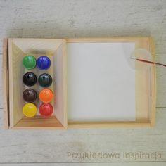 Taca drewniana, farbki, aktywność dla maluchów, inspirowane Montessori.